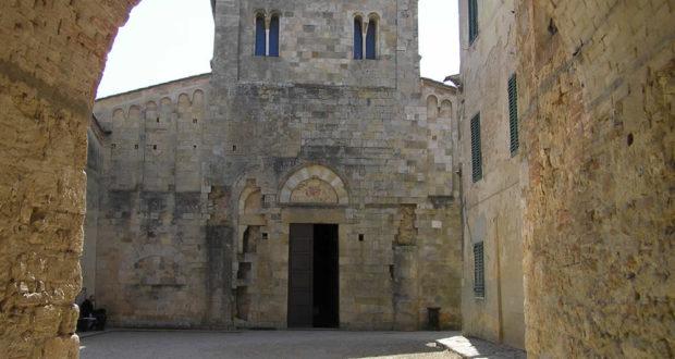 Abbadia a Isola, Monteriggioni, Siena. Autor y Copyright Marco Ramerini