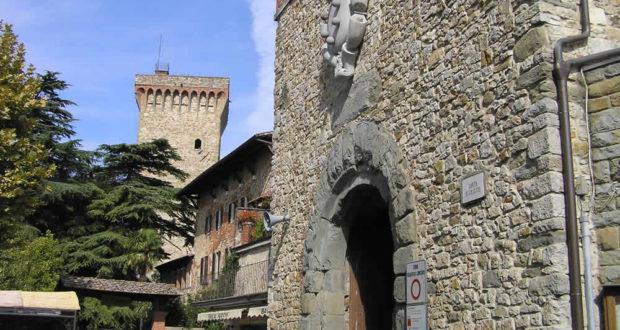 Porta San Giusto, Lucignano, Arezzo. Autore e Copyright Marco Ramerini