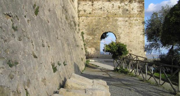 Porta a Mare. Castiglione della Pescaia. Author and Copyright Marco Ramerini