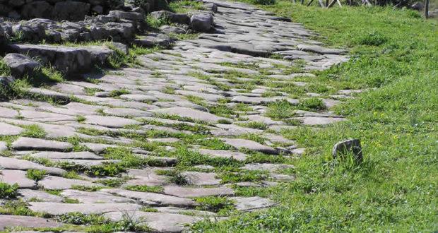 Strada di epoca romana, Vetulonia. Author and Copyright Marco Ramerini