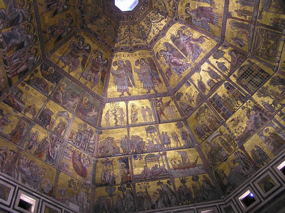 El coro de los ángeles de los mosaicos de la cúpula del Baptisterio de San Juan, Florencia. Autor y Copyright Marco Ramerini.