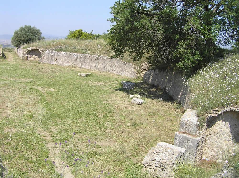 I resti dell'Anfiteatro, Roselle, Grosseto. Author and Copyright Marco Ramerini