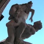 Il Ratto delle Sabine del Giambologna, Loggia della Signoria o Loggia dei Lanzi, Piazza della Signoria, Firenze, Italia. Author and Copyright Marco Ramerini