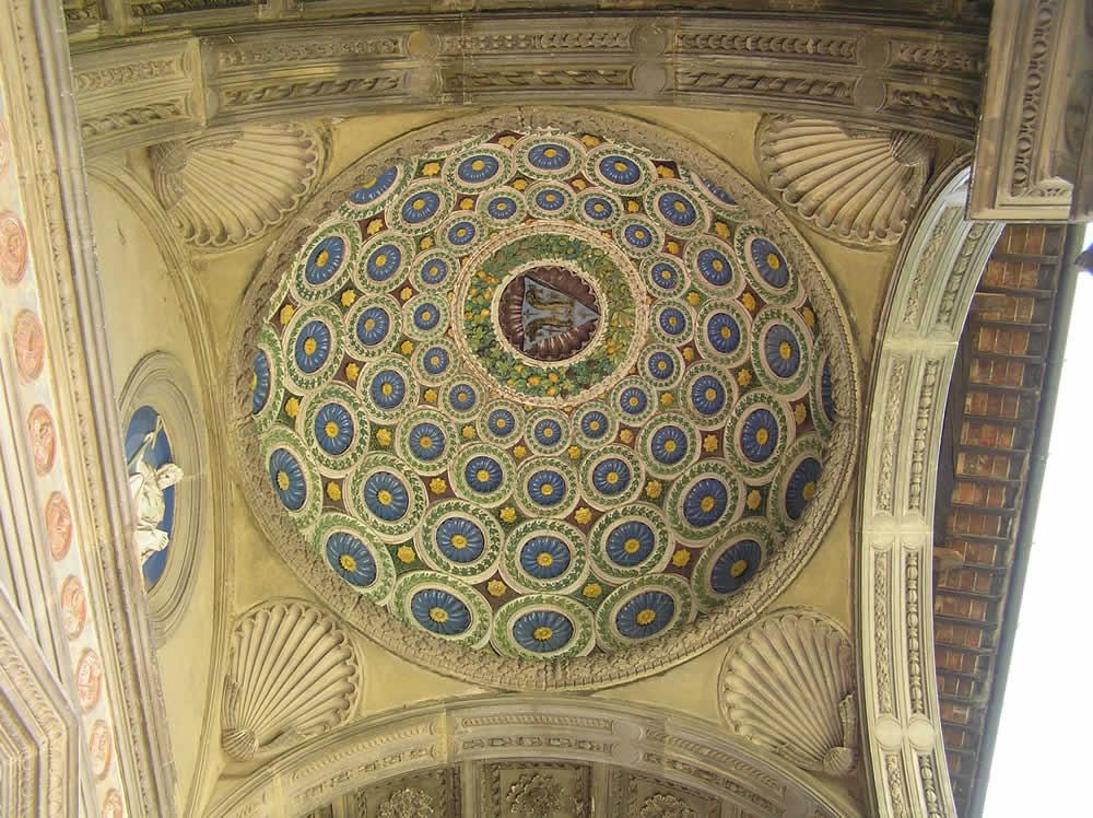El interior, Cappella de' Pazzi, Basílica de Santa Croce. Autor y Copyright Marco Ramerini,