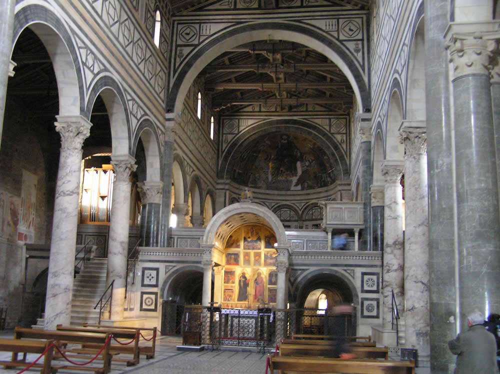 L'interno della Basilica di San Miniato al Monte, Firenze. Author and Copyright Marco Ramerini