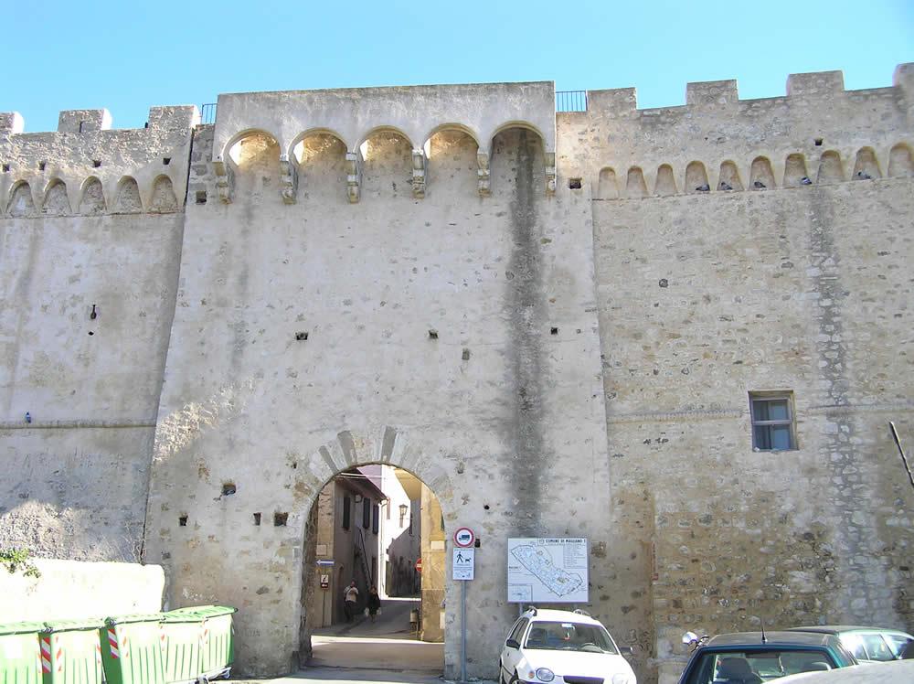 Porta Nuova, Magliano in Toscana, Grosseto. Author and Copyright Marco Ramerini