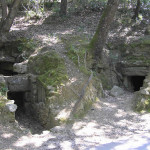 Tombe a Camera sulla strada d'ingresso all'area archeologica, Roselle, Grosseto. Author and Copyright Marco Ramerini
