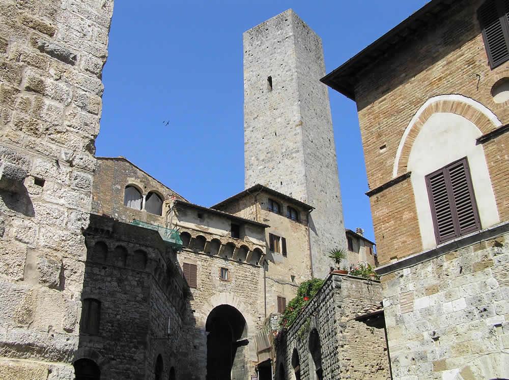 Arco dei Becci, San Gimignano, Siena.  Author and Copyright Marco Ramerini.