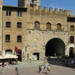 Palazzo del Podestà, Piazza del Duomo, San Gimignano, Siena.  Author and Copyright Marco Ramerini.