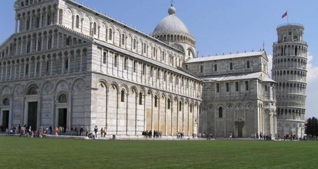 Il Duomo e la Torre Pendente, Pisa. Author and Copyright Marco Ramerini