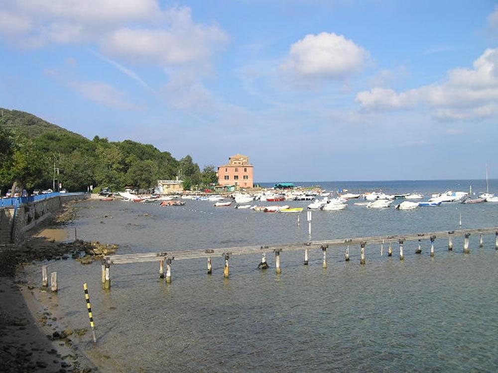Il porto di Baratti, Piombino, Livorno. Author and Copyright Marco Ramerini