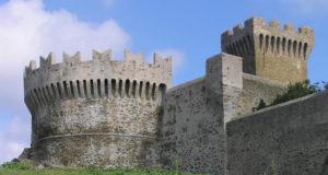 La Rocca di Populonia, Piombino, Livorno. Author and Copyright Marco Ramerini