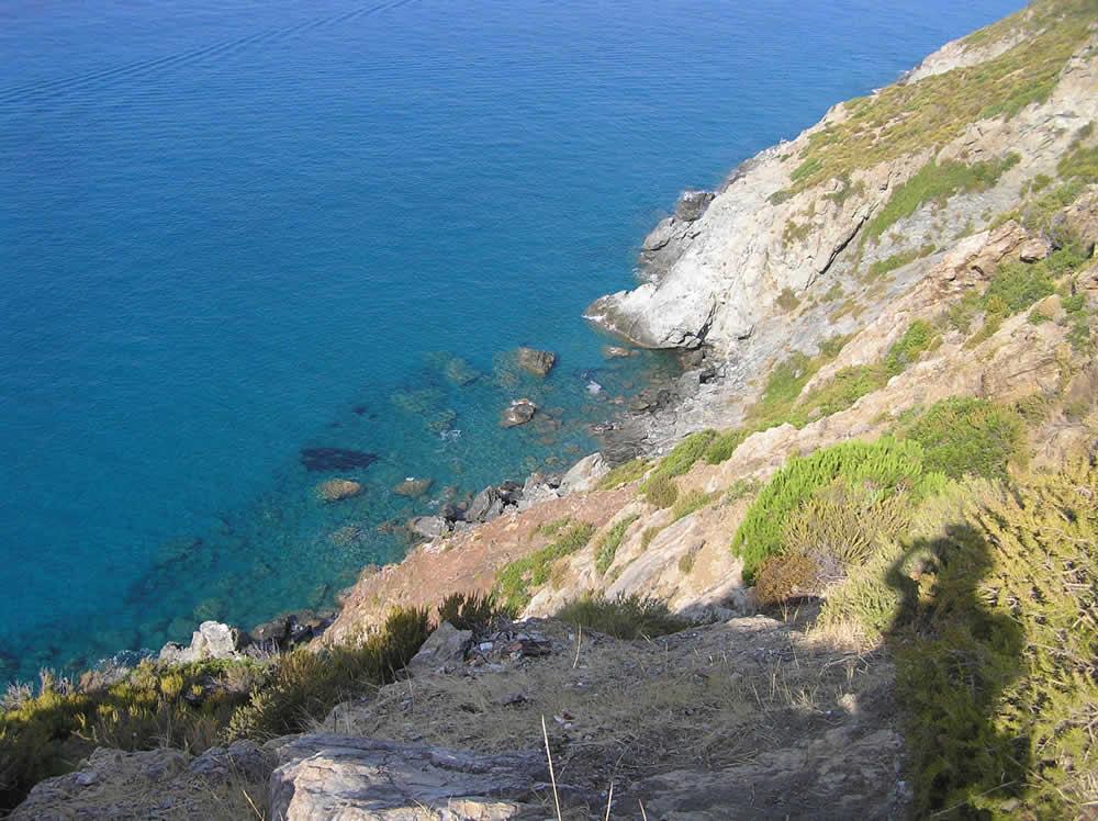 La costa tra Chiessi e Pomonte, Marciana, Isola d'Elba, Livorno.. Author and Copyright Marco Ramerini