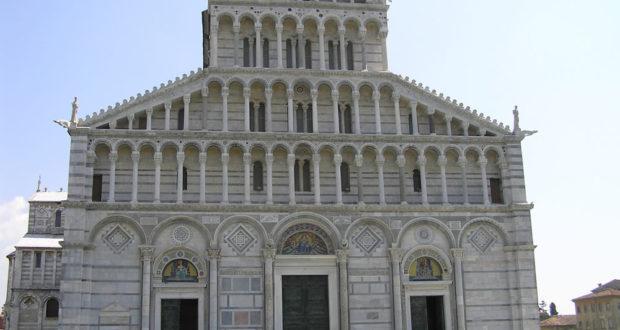 La facciata del Duomo, Pisa. Author and Copyright Marco Ramerini