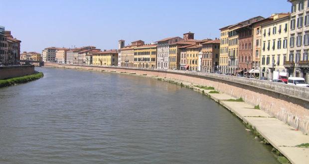 Lungarno, Pisa. Author and Copyright Marco Ramerini
