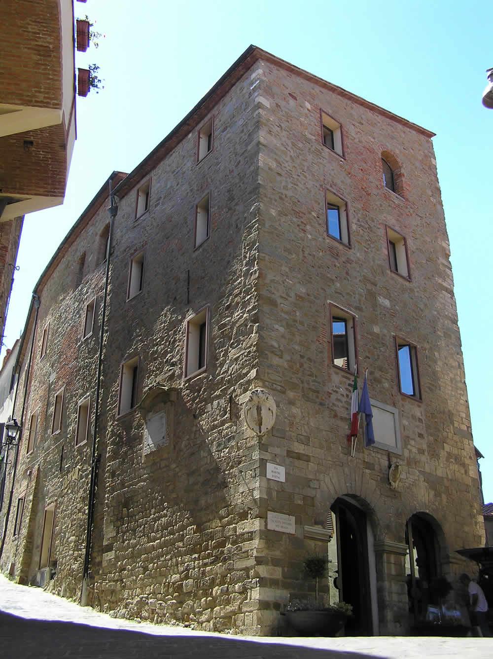 Palazzo Comunale, Scarlino, Grosseto. Author and Copyright Marco Ramerini