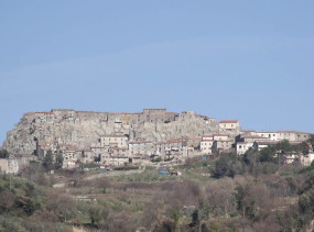 Roccastrada, Grosseto. Author LigaDue. Licensed under the Creative Commons Attribution