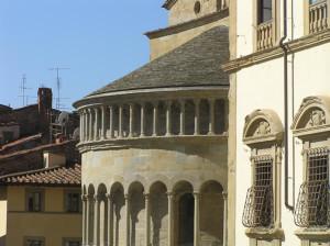 Abside de l'église de Santa Maria, Piazza Grande, Arezzo. Auteur et Copyright Marco Ramerini