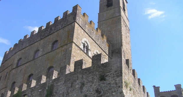 Castello dei Conti Guidi, Poppi, Arezzo. Autore e Copyright Marco Ramerini.