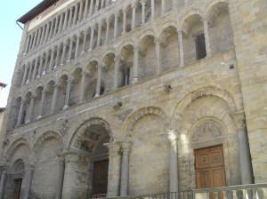 Facciata della Pieve di Santa Maria, Arezzo. Autore e Copyright Marco Ramerini