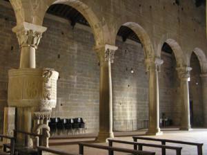 L'interno della Pieve di Gropina, Loro Ciuffenna, Arezzo. Autore e Copyright Marco Ramerini..