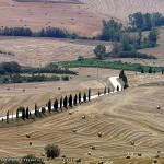 Julio, campo cerca de Pienza, Val d'Orcia, Siena. Autor y Copyright Marco Ramerini