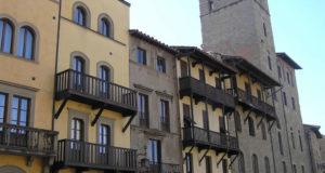 Palazzi, Piazza Grande, Arezzo. Autore e Copyright Marco Ramerini..