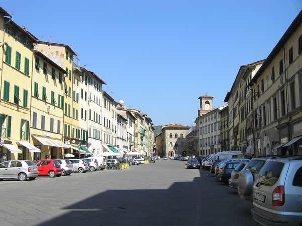 Piazza Mazzini, Pescia, Pistoia. Author and Copyright Marco Ramerini