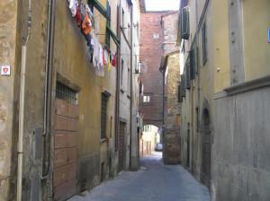 Un vicolo, Pescia, Pistoia. Autore e Copyright Marco Ramerini