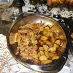 Carciofi fritti e Patate arrosto. Autore e Copyright Marco Ramerini
