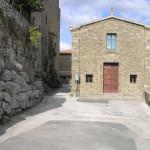 Mura etrusche e cappella medievale, Vetulonia. Author and Copyright Marco Ramerini