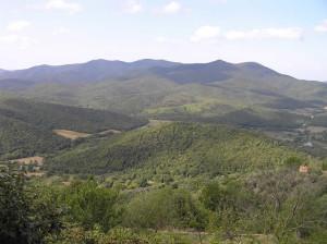 Paesaggio sulle montagne di Tirli visto da Vetulonia. Author and Copyright Marco Ramerini