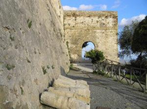 Porta medievale. Castiglione della Pescaia. Author and Copyright Marco Ramerini