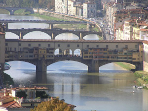 Le Arno et les ponts de Florence. Author and Copyright Marco Ramerini