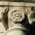 Dettaglio dei capitelli delle colonne, San Bruzio, Magliano in Toscana, Grosseto. Author and Copyright Marco Ramerini