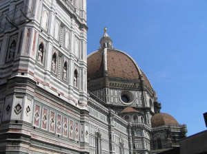 Il Campanile di Giotto e il Duomo, Firenze, Italia. Author and Copyright Marco Ramerini