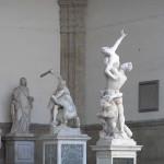 L'Enlèvement des Sabines de Giambologna, Loggia della Signoria ou Loggia dei Lanzi, Piazza della Signoria, Florence. Author and Copyright Marco Ramerini,