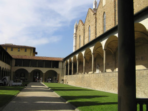 Il primo Chiostro, Basilica di Santa Croce, Firenze. Author and Copyright Marco Ramerini