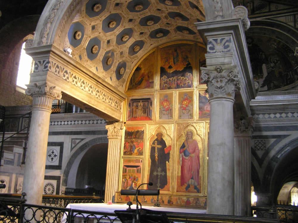 L'Edicola d'Altare a marmi intarsiati (XV secolo). Basilica di San Miniato al Monte, Firenze. Author and Copyright Marco Ramerini