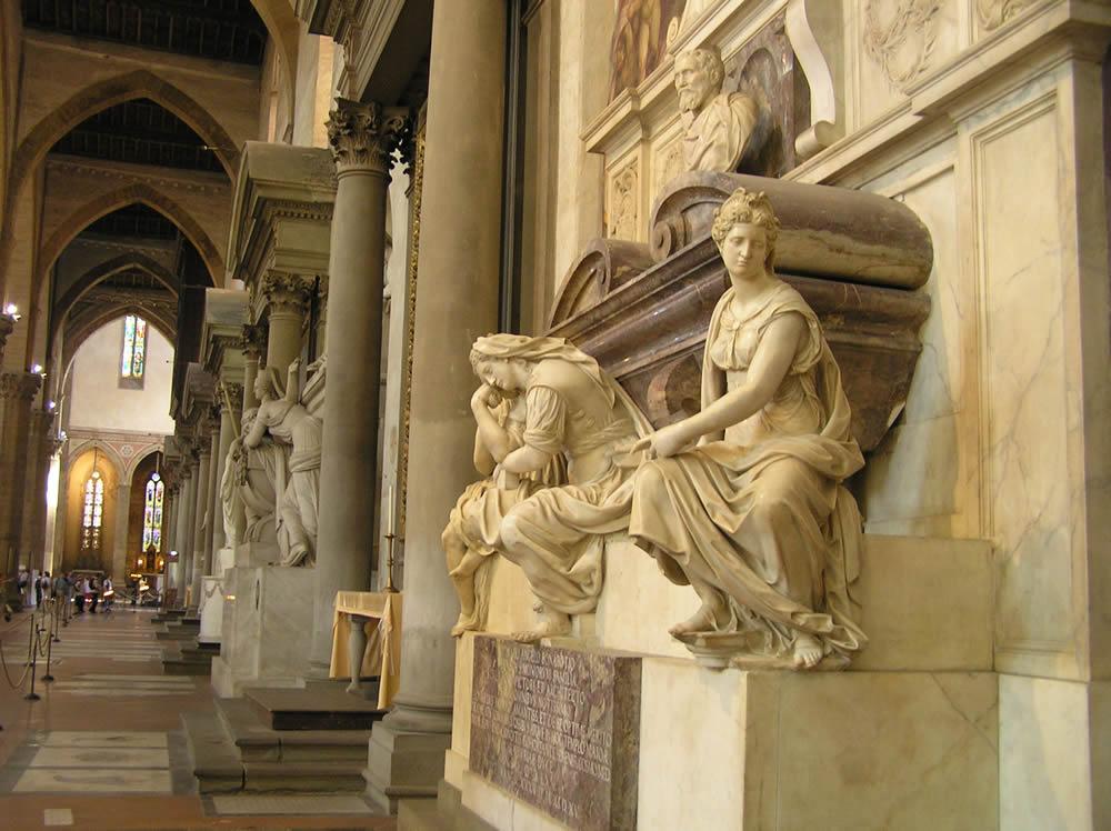 Tumba de Miguel Ángel (Michelangelo Buonarroti), Basílica de Santa Cruz, Florencia. Autor y Copyright Marco Ramerini