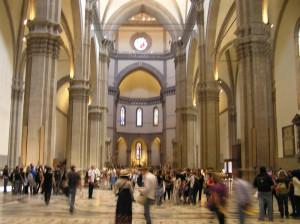 La navata centrale del Duomo, Firenze, Italia. Author and Copyright Marco Ramerini