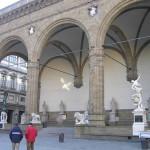 Loggia della Signoria ou Loggia dei Lanzi, la Piazza della Signoria, Florence, Italie. Author and Copyright Marco Ramerini