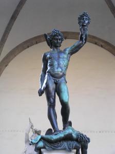Perseo di Benvenuto Cellini. Loggia della Signoria o Loggia dei Lanzi, Piazza della Signoria, Firenze, Italia. Author and Copyright Marco Ramerini,