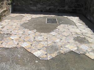 Resti di pavimentazione, Domus dei Mosaici, Roselle, Grosseto. Author and Copyright Marco Ramerini