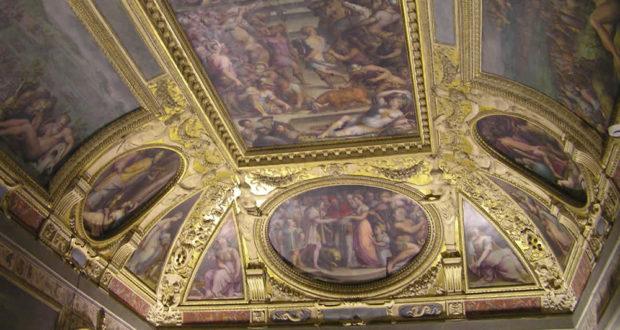 Soffitto della Sala di Clemente VII, Palazzo Vecchio, Firenze. Italia. Author and Copyright Marco Ramerini