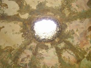 Soffitto della prima camera della Grotta del Buontalenti, Giardino di Boboli, Firenze, Italia. Author and Copyright Marco Ramerini