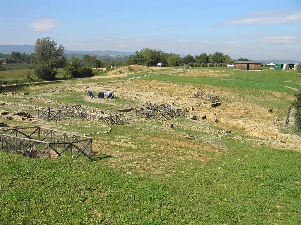 Area degli scavi di Poggio Bonizio, Fortezza di Poggio Imperiale, Poggibonsi, Siena. Author and Copyright Marco Ramerini