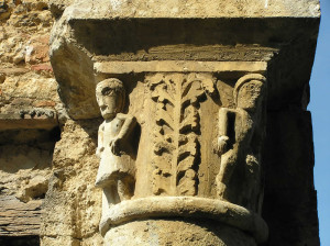 Capitello di una colonna, Badia a Conèo, Colle Val d'Elsa, Siena. Author and Copyright Marco Ramerini