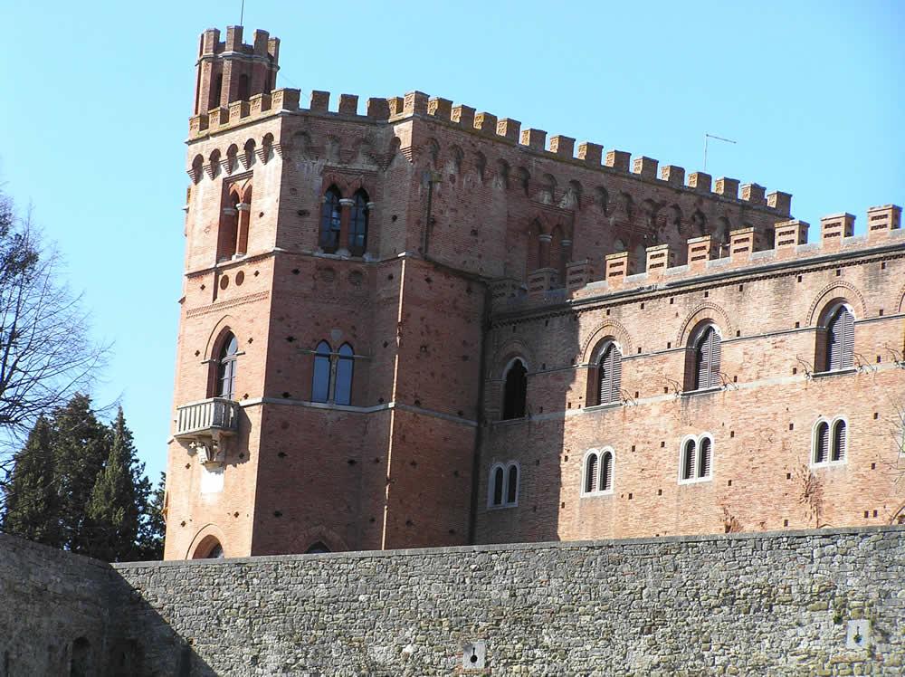 Castello di Brolio, Gaiole in Chianti, Siena. Author and Copyright Marco Ramerini.