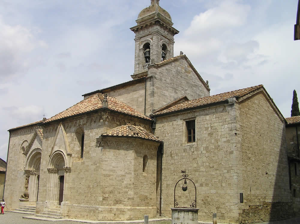 Collegiata o Pieve di Osenna. Author and Copyright Marco Ramerini